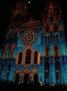 Chartres illuminé l'été